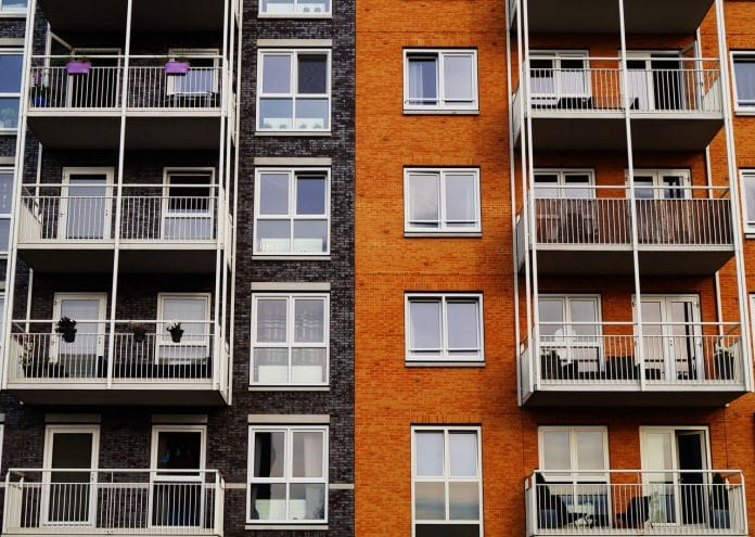 Czym izolować budynek?