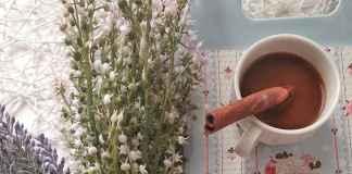 Dlaczego warto wybierać sztuczne kwiaty?