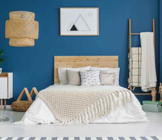 Niebieski kolor w aranżacji sypialni