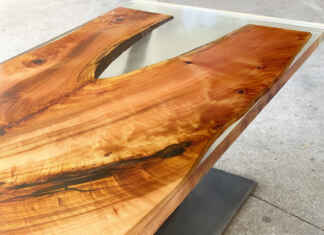 Stół z żywicą epoksydową