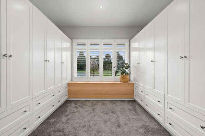 SZafy w domu, w garderobie